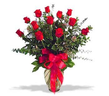 çiçek siparisi 11 adet kirmizi gül cam vazo  Kırklareli çiçek yolla