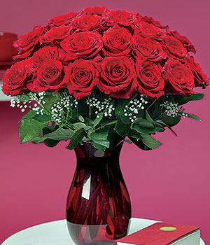 Kırklareli çiçekçi mağazası  11 adet Vazoda Gül sevenler için ideal seçim