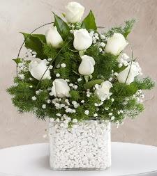 9 beyaz gül vazosu  Kırklareli çiçek online çiçek siparişi