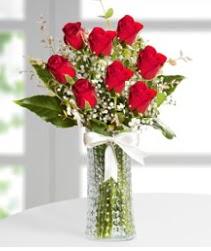 7 Adet vazoda kırmızı gül sevgiliye özel  Kırklareli yurtiçi ve yurtdışı çiçek siparişi