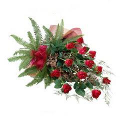 Kırklareli çiçek yolla  10 adet kirmizi gül özel buket çiçek siparisi
