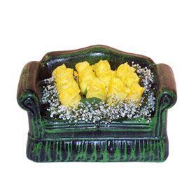 Seramik koltuk 12 sari gül   Kırklareli çiçek mağazası , çiçekçi adresleri
