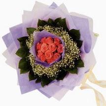 12 adet gül ve elyaflardan   Kırklareli güvenli kaliteli hızlı çiçek