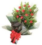 12 adet kirmizi gül buketi   Kırklareli güvenli kaliteli hızlı çiçek