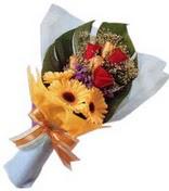 güller ve gerbera çiçekleri   Kırklareli uluslararası çiçek gönderme