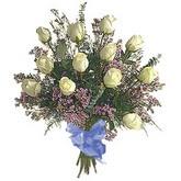 bir düzine beyaz gül buketi   Kırklareli uluslararası çiçek gönderme