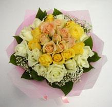 sari ve beyaz gül karisimda   Kırklareli çiçek servisi , çiçekçi adresleri