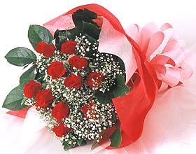 12 adet kirmizi gül buketi  Kırklareli çiçek gönderme
