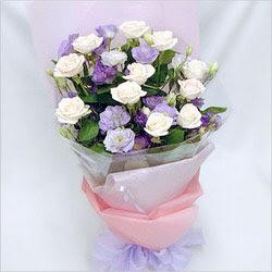 Kırklareli online çiçekçi , çiçek siparişi  BEYAZ GÜLLER VE KIR ÇIÇEKLERIS BUKETI