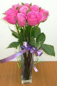 cam vazo içerisinde 11 adet gül  Kırklareli online çiçekçi , çiçek siparişi
