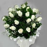 Kırklareli kaliteli taze ve ucuz çiçekler  11 adet beyaz gül buketi ve bembeyaz amnbalaj