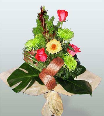 Kırklareli çiçek mağazası , çiçekçi adresleri  3 adet gül 4 adet gerbera çiçegi sade buket