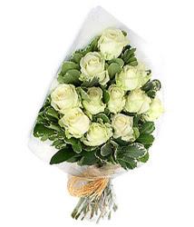 Kırklareli online çiçek gönderme sipariş  12 li beyaz gül buketi.