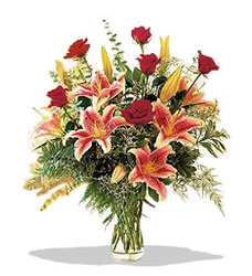 Kırklareli çiçek siparişi sitesi  Pembe Lilyum ve Gül