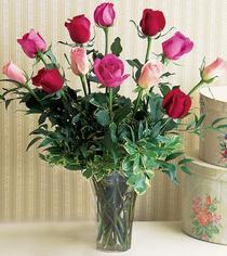 Kırklareli internetten çiçek satışı  12 adet karisik renkte gül cam yada mika vazoda