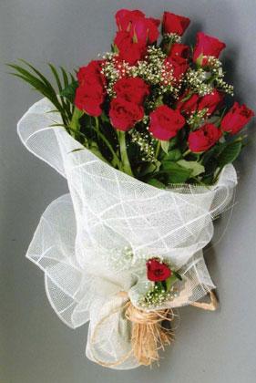 10 adet kirmizi güllerden buket çiçegi  Kırklareli çiçek siparişi vermek