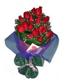 12 adet kirmizi gül buketi  Kırklareli çiçek yolla