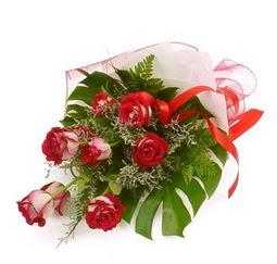 Çiçek gönder 9 adet kirmizi gül buketi  Kırklareli çiçek gönderme sitemiz güvenlidir