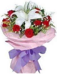 9 adet kirmizi gül 1 adet kazablanka buketi  Kırklareli güvenli kaliteli hızlı çiçek