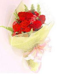 9 adet kirmizi gül buketi  Kırklareli çiçek gönderme