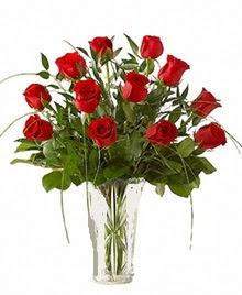 cam yada mika vazo içerisinde 9 kirmizi gül  Kırklareli yurtiçi ve yurtdışı çiçek siparişi