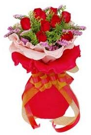 Kırklareli çiçekçi telefonları  8 Adet kirmizi güllerden buket tanzimi