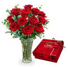 Kırklareli güvenli kaliteli hızlı çiçek  10 adet cam yada mika vazoda gül çikolata
