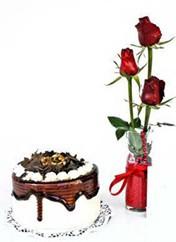 Kırklareli çiçek gönderme sitemiz güvenlidir  vazoda 3 adet kirmizi gül ve yaspasta