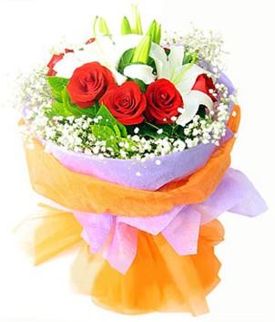 Kırklareli uluslararası çiçek gönderme  1 dal kazablanka 7 adet kırmızı gül buketi
