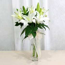 Kırklareli ucuz çiçek gönder  2 dal kazablanka ile yapılmış vazo çiçeği