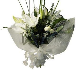 Kırklareli güvenli kaliteli hızlı çiçek  2 dal kazablanka çiçek buketi