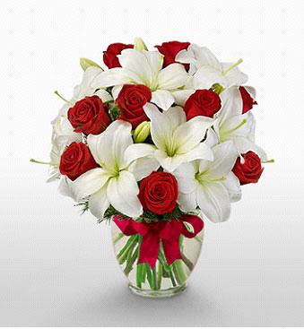 Kırklareli kaliteli taze ve ucuz çiçekler  1 dal kazablanka 11 adet kırmızı gül vazosu