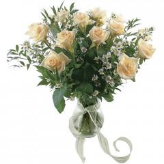 Vazoda 8 adet beyaz gül  Kırklareli çiçek , çiçekçi , çiçekçilik