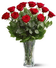 11 adet kırmızı gül vazoda  Kırklareli İnternetten çiçek siparişi
