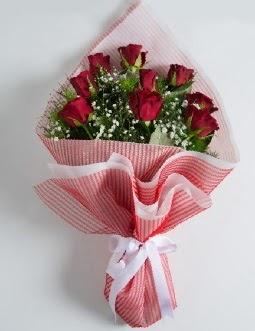 9 adet kırmızı gülden buket  Kırklareli çiçek online çiçek siparişi