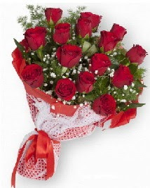 11 kırmızı gülden buket  Kırklareli internetten çiçek siparişi