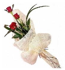 3 adet kırmızı gül buketi  Kırklareli internetten çiçek siparişi