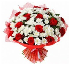 11 adet kırmızı gül ve 1 demet krizantem  Kırklareli internetten çiçek satışı