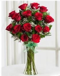 Cam vazo içerisinde 11 kırmızı gül vazosu  Kırklareli ucuz çiçek gönder