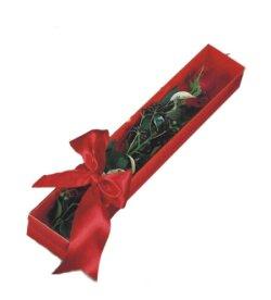 Kırklareli çiçekçi mağazası  tek kutu gül sade ve sik