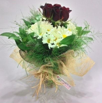 5 adet kırmızı gül ve kırızantem buketi  Kırklareli çiçek gönderme